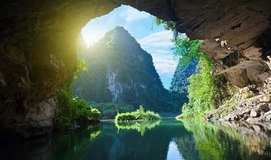 ทัวร์เวียดนามเหนือ ฮานอย ฮาลองบก นิงก์บิงห์ ล่องเรือกระจาด 3วัน 2คืน บินเวียดเจ็ต(VJ)