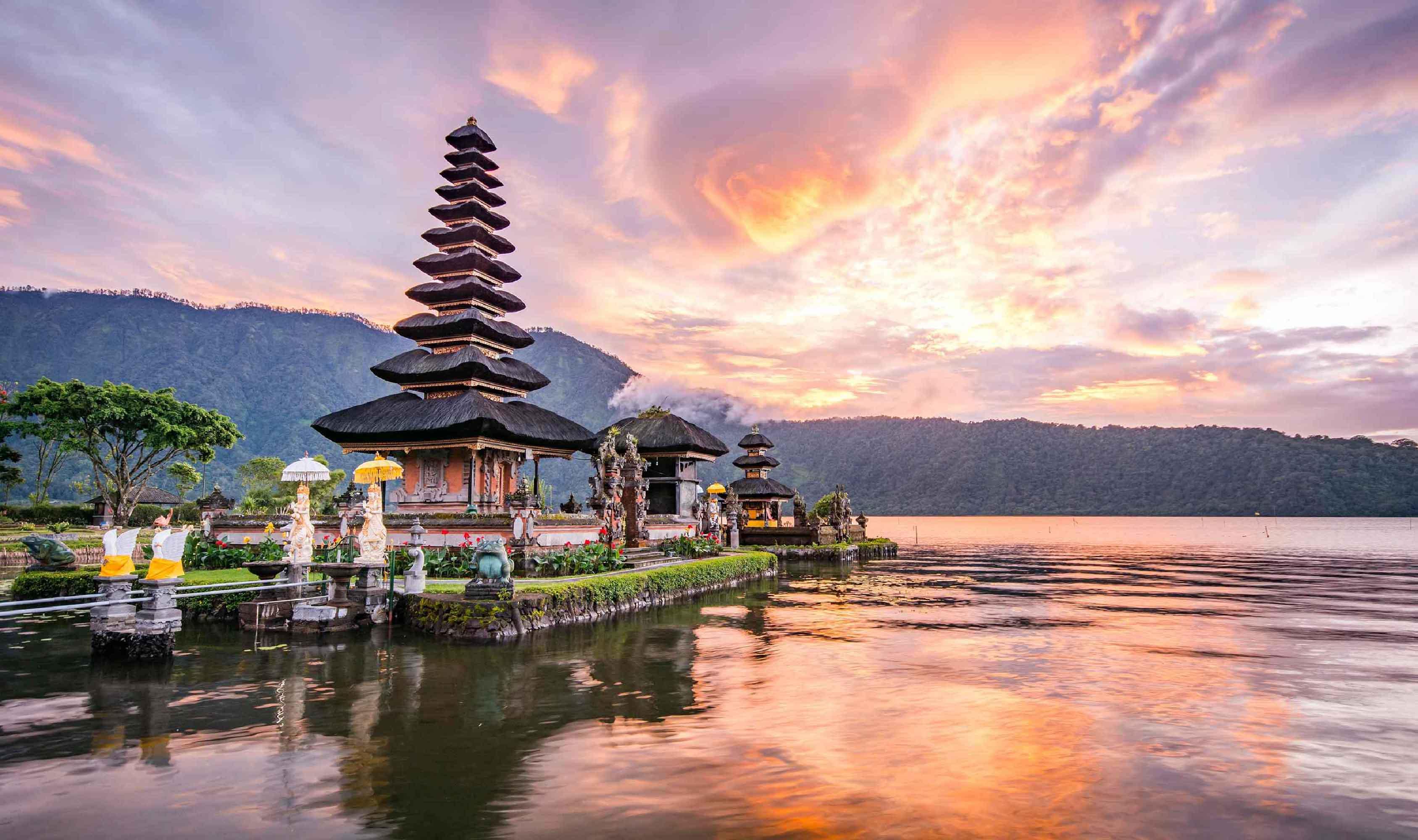 ทัวร์บาหลี Borobudur Besakih 5 วัน 4 คืน บินการบินไทย(TG)