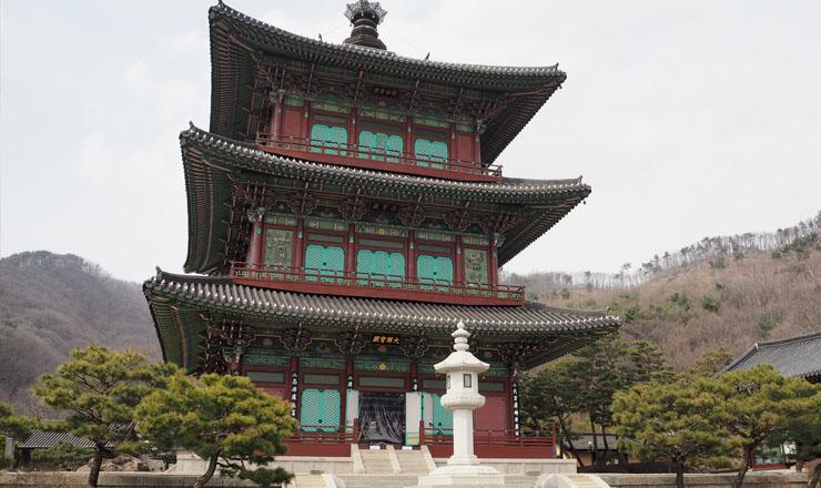 วัดโพทับซา เมืองจินชอน เกาหลีใต้ คุณจะได้พบเจดีย์ไม้ 3 ชั้นแห่งเดียวในเกาหลีที่ไม่ใช้ตะปูเลยในการสร้าง